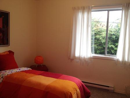 Two bedroom townhouse 102 james bay victoria city victoria for 102 hamilton terrace london