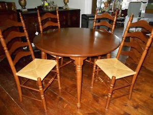 Vilas Dining Room Set