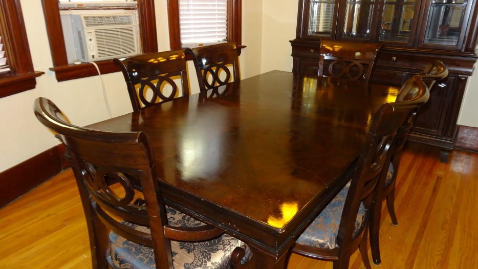Dining Room Set Table Abd 6 Chairs With Matching Hutch