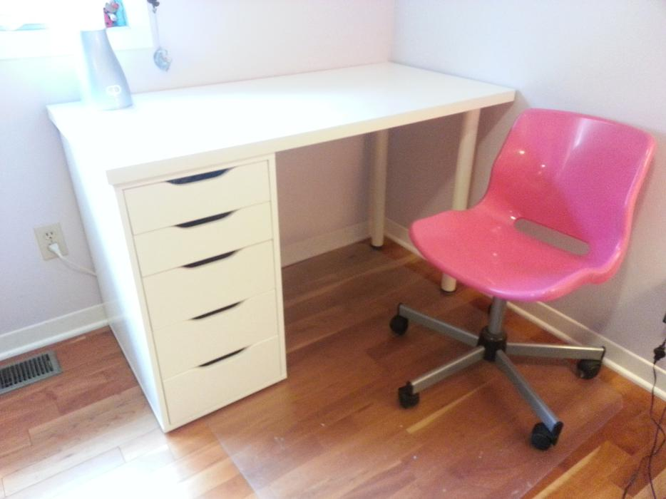 Ikea White Modular Desk System As New Condition Kanata