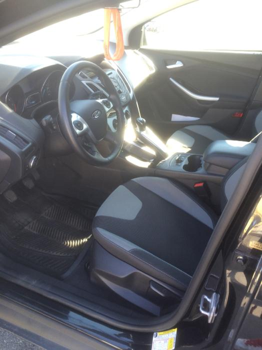 2014 ford focus se manual trans saanich victoria mobile. Black Bedroom Furniture Sets. Home Design Ideas