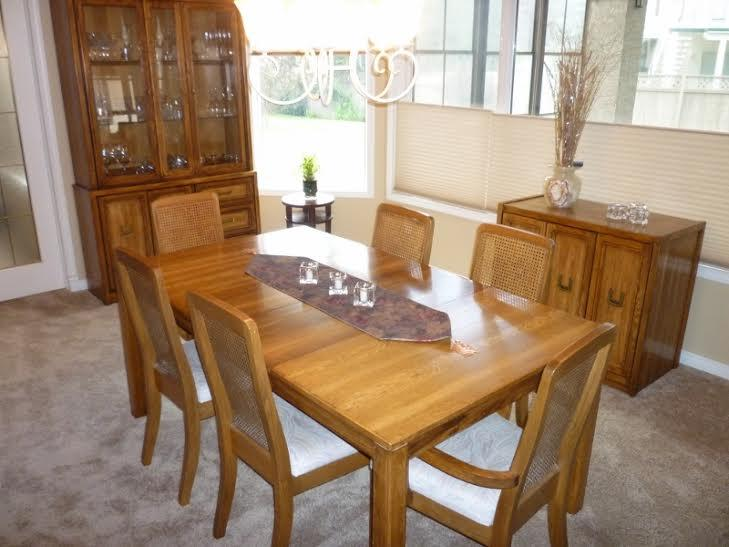 Oak Dining Room Set China Cabinet Table With 2 Leafs Side Hutch 6 Chairs
