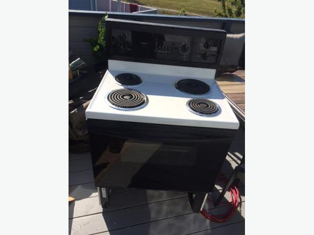Electric self cleaning kenmore stove i do have bottom drawer just