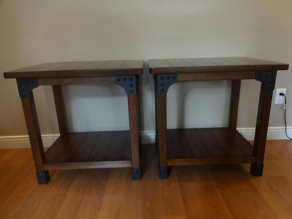 Solid wood coffee table 2 end tables saanich victoria for Coffee tables kelowna