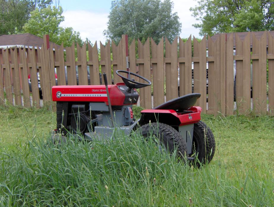 Heavy duty lawn tractor for sale sault ste marie sault for Garden machinery for sale