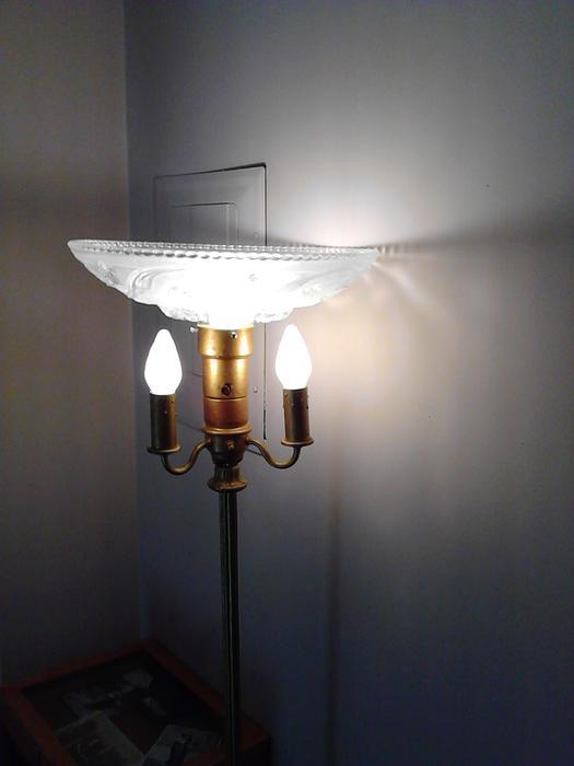 Salt Lamps Guelph : ANTIQUE TORCHIERE FLOOR LAMP Saanich, Victoria