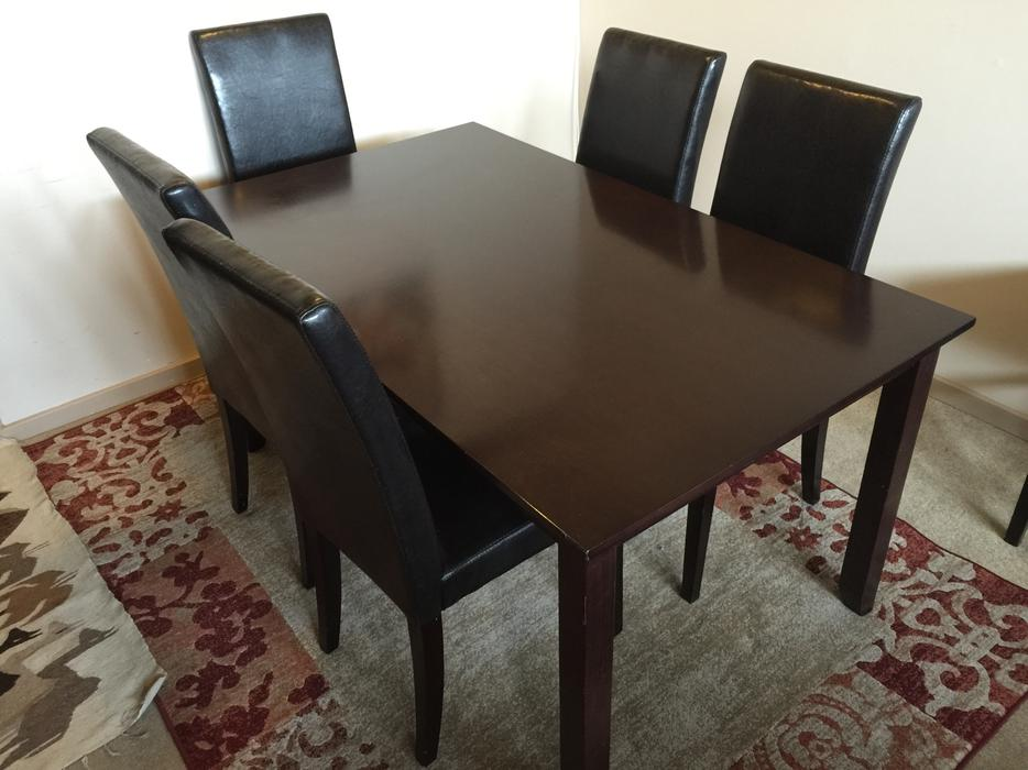 Dining room table and chairs saanich victoria mobile for Dining room tables victoria bc