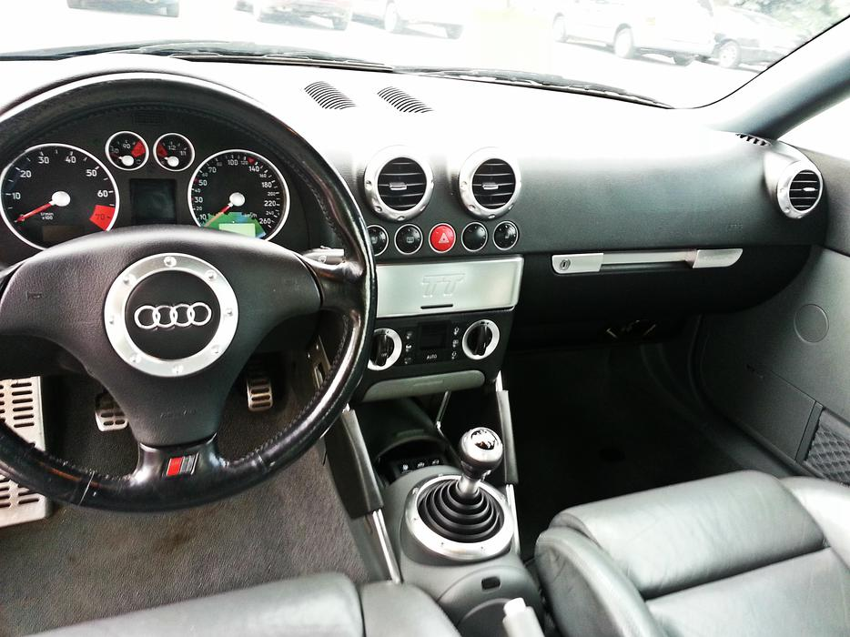 2001 Audi Tt 225 Hp 6 Speed Coupe 2 Door Central Ottawa
