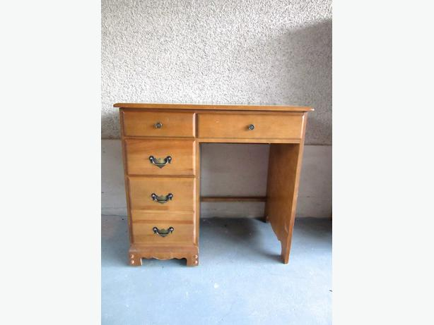 vintage maple student desk for bedroom living room central nanaimo