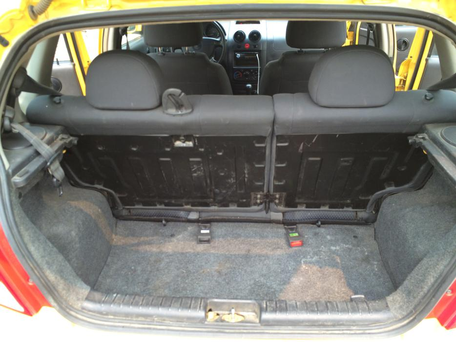 2006 chevy aveo hatchback north regina regina mobile. Black Bedroom Furniture Sets. Home Design Ideas