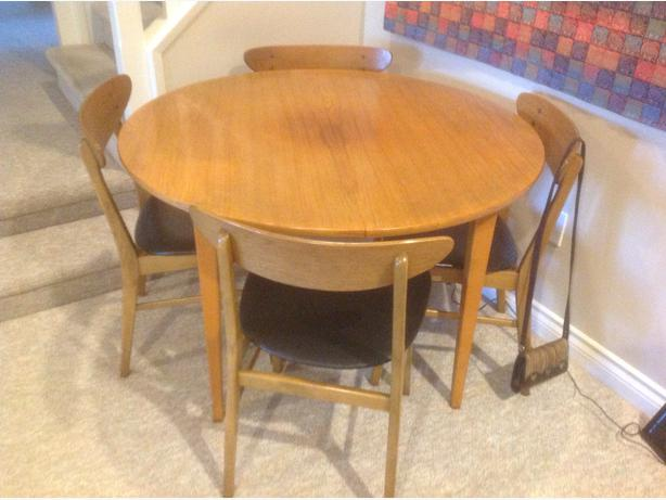 Teak Dining Room Table With Extension And 4 Chairs Saanich Victoria