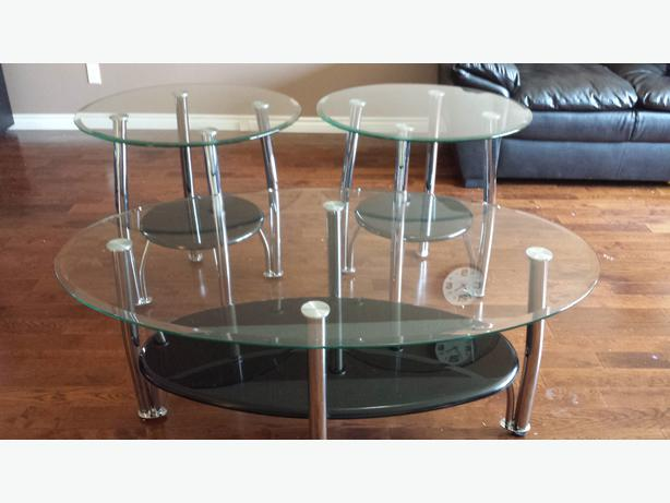 Glass coffee table with 2 end tables for sale north regina for Coffee tables regina
