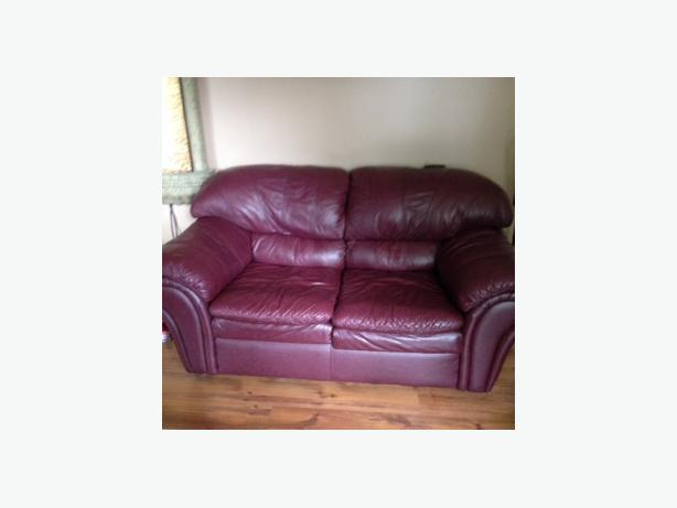 Burgundy leather sofa and loveseat kanata ottawa Burgundy leather loveseat