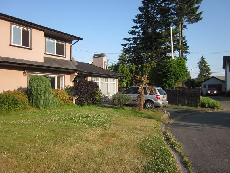 Five bedroom house near uvic for rent saanich victoria for Five bed house for rent