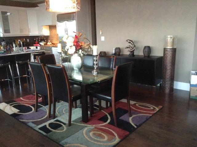 Dining set Extendable glass table with 6 chairs West Shore  : 48019220934 from www.usedvictoria.com size 640 x 478 jpeg 44kB