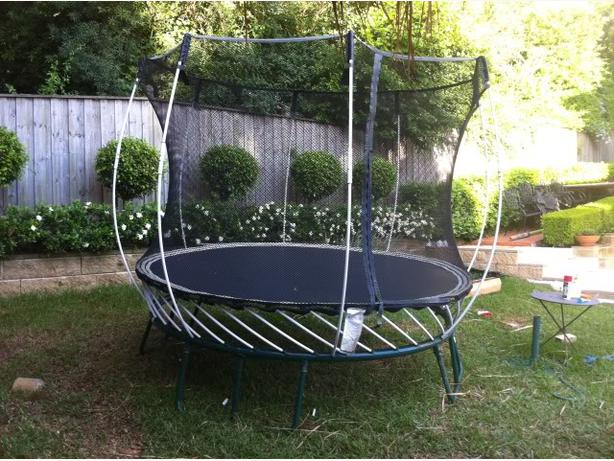 Springfree 12 ft trampoline saanich victoria for Springfree trampoline