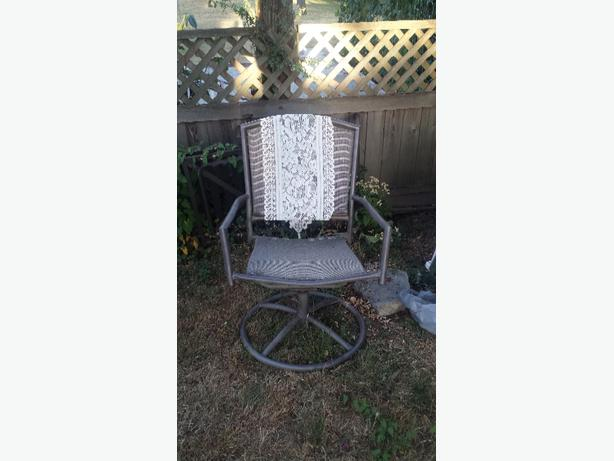 Set Of 4 Patio Chairs Saanich Victoria