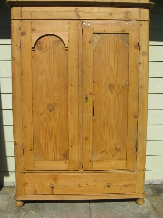 Final reduction antique pine canadiana armoire gorgeous