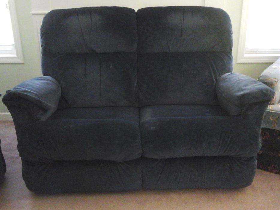 Lazy Boy Loveseat Recliner Qualicum Nanaimo
