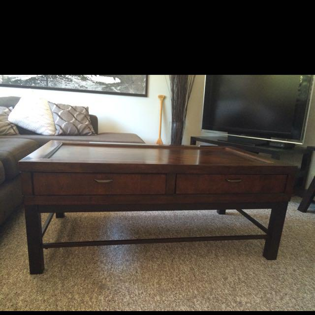Contemporary coffee table saanich victoria for Coffee tables kelowna