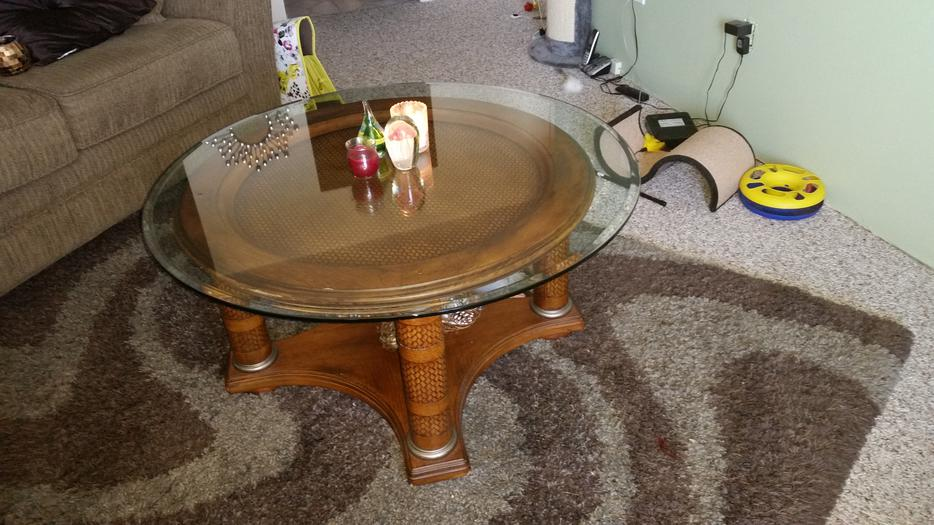 Round glass coffee table esquimalt view royal victoria for Coffee tables kelowna