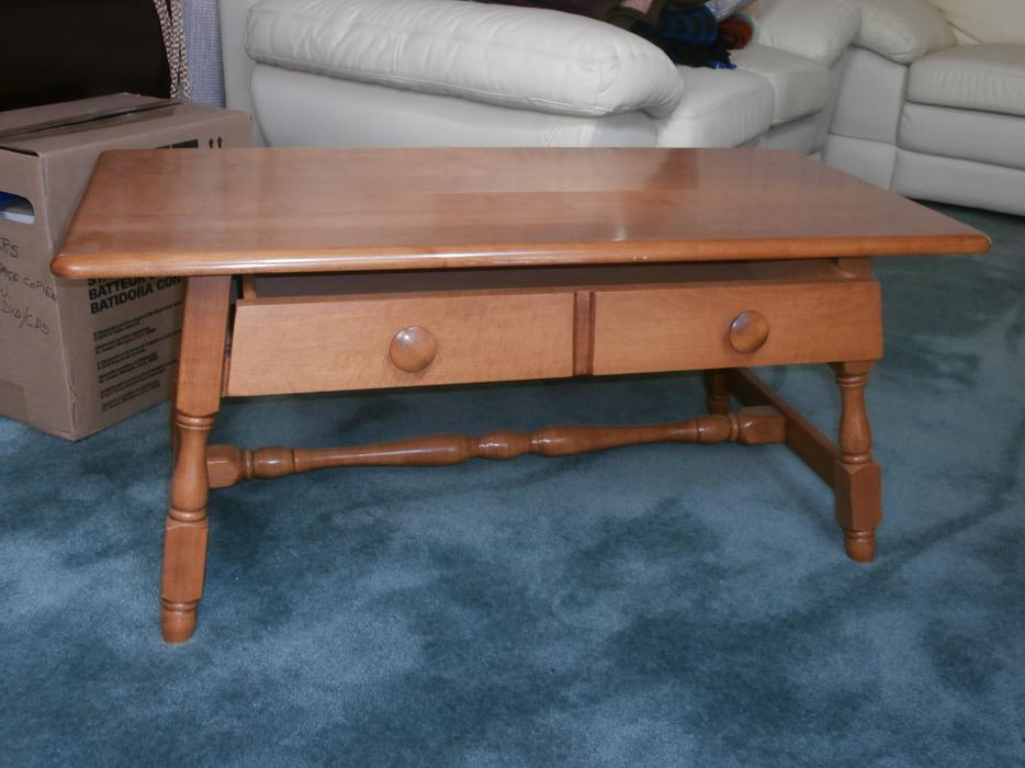 Vilas maple coffee table north saanich sidney victoria for Coffee tables kelowna