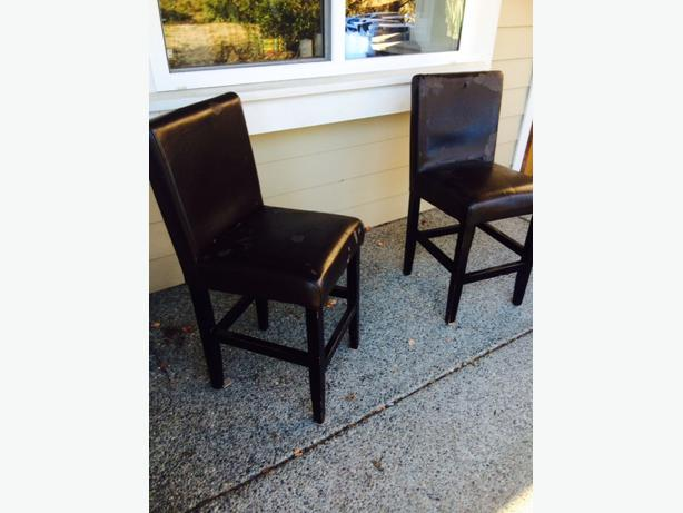 2 Bar Stools West Shore Langford Colwood Metchosin