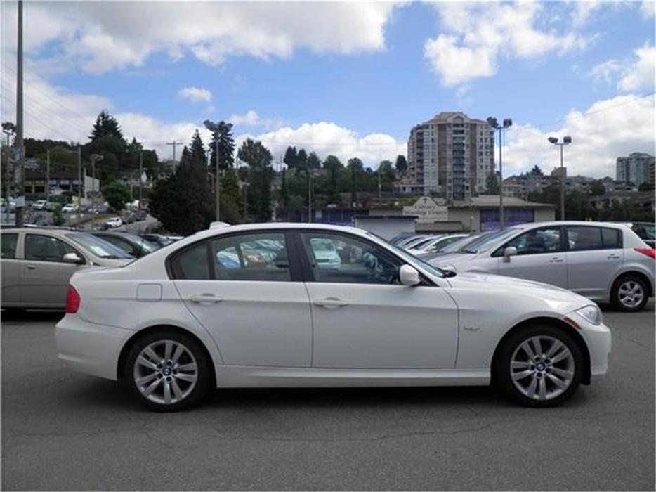 2011 Bmw 323 I Bluetooth Leather Roof Heated Seats Surrey Incl White Rock Vancouver Mobile