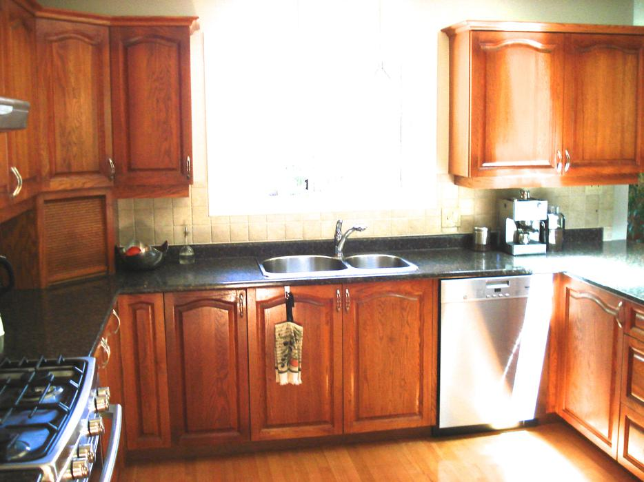 Kitchen cabinets for sale central saanich victoria for Kitchen cabinets victoria