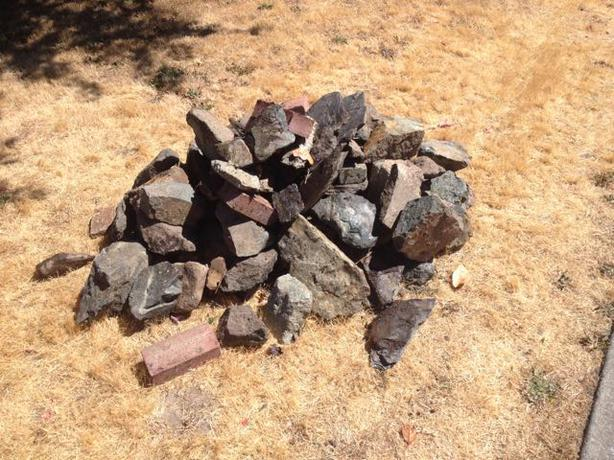 Free free landscaping rocks saanich victoria for Landscaping rocks windsor ontario