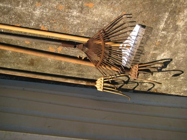 4 garden tools in good condition saanich victoria for Gardening tools victoria