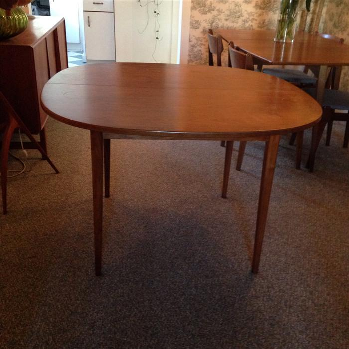 Beautiful mid century teak dining table Victoria City  : 48066275934 from www.usedvictoria.com size 700 x 700 jpeg 64kB