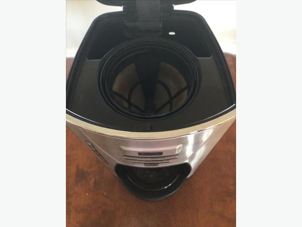 Black And Decker Coffee Maker Cm1300sc : Black and Decker 12 cup Programmable Coffee Pot Campbell River, Comox Valley - MOBILE