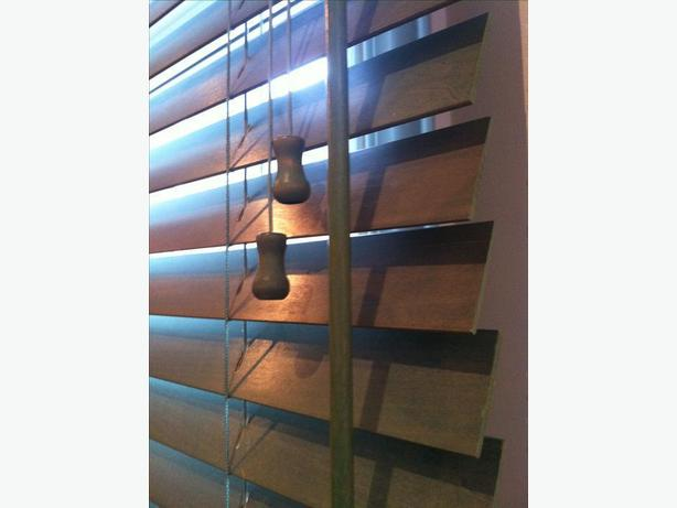 High Quality Wooden Horizontal Blinds in Excellent Shape