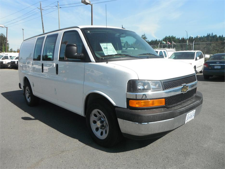 2014 chevrolet express 1500 awd cargo van outside cowichan valley cowichan mobile. Black Bedroom Furniture Sets. Home Design Ideas