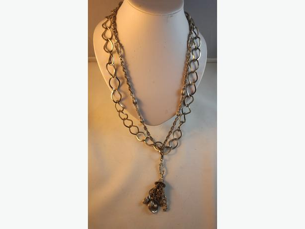 4u2c  DOUBLE STRAND SILVER NECKLACE WITH A TASSELS