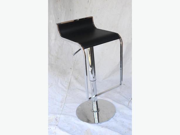 Set Of Three Hydraulic Bar Stools With Leather Seats