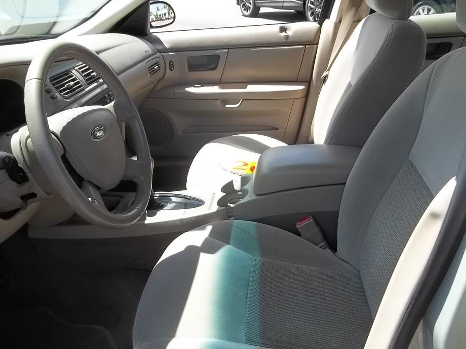 2004 ford taurus sedan charlottetown pei mobile. Black Bedroom Furniture Sets. Home Design Ideas