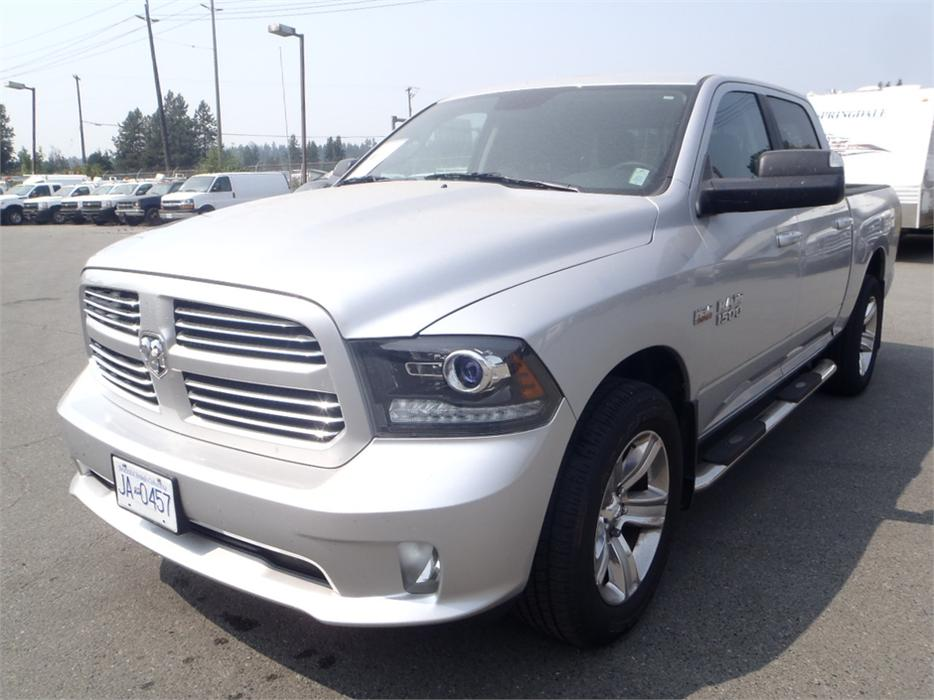 2014 dodge ram 1500 sport crew cab short box 4wd outside cowichan valley cowichan mobile. Black Bedroom Furniture Sets. Home Design Ideas