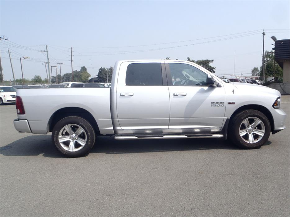 2014 dodge ram 1500 sport crew cab short box 4wd outside comox valley campbell river mobile. Black Bedroom Furniture Sets. Home Design Ideas