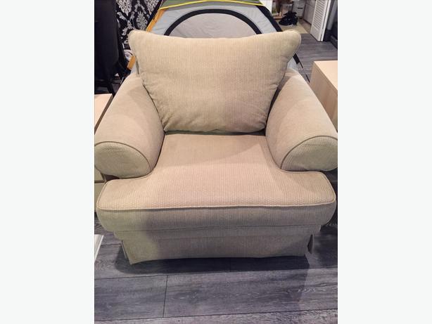 Big Comfy Chair Victoria City Victoria Mobile