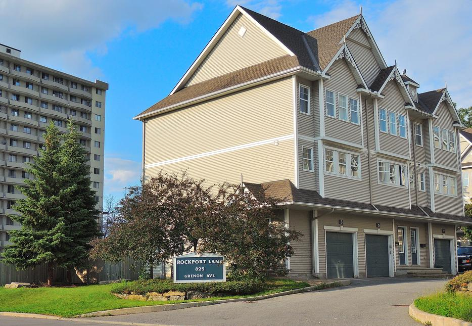Luxury townhouse great location nepean gatineau for 7 summerland terrace