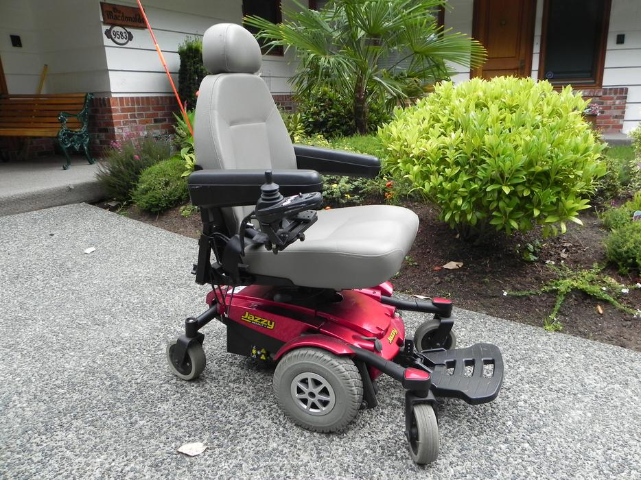 Motorized wheelchair reduced for quick sale chemainus for Motorized wheelchair for sale