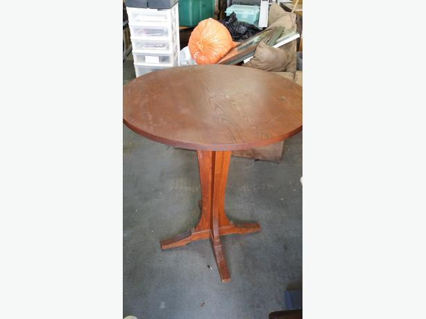 Small Round Table Amp Chairs Central Saanich Victoria