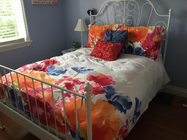Throw Pillow Duvet Covers : Duvet cover, pillows and decorative pillows Oak Bay, Victoria - MOBILE