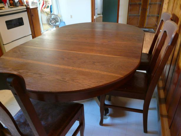 Antique Oak Dining Room Table And Chairs Parksville Nanaimo