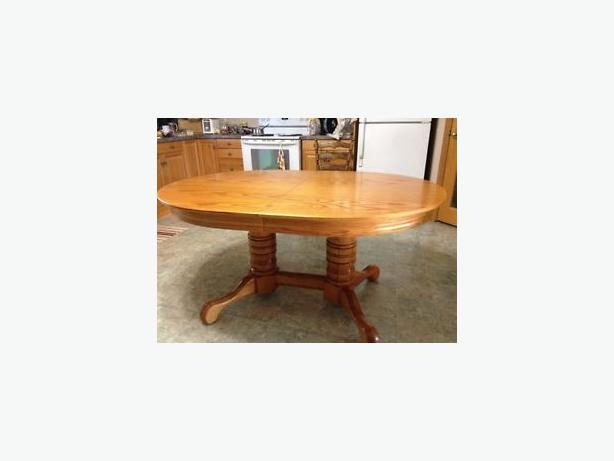 Oak kitchen table and chairs north regina regina for Kitchen table with insert