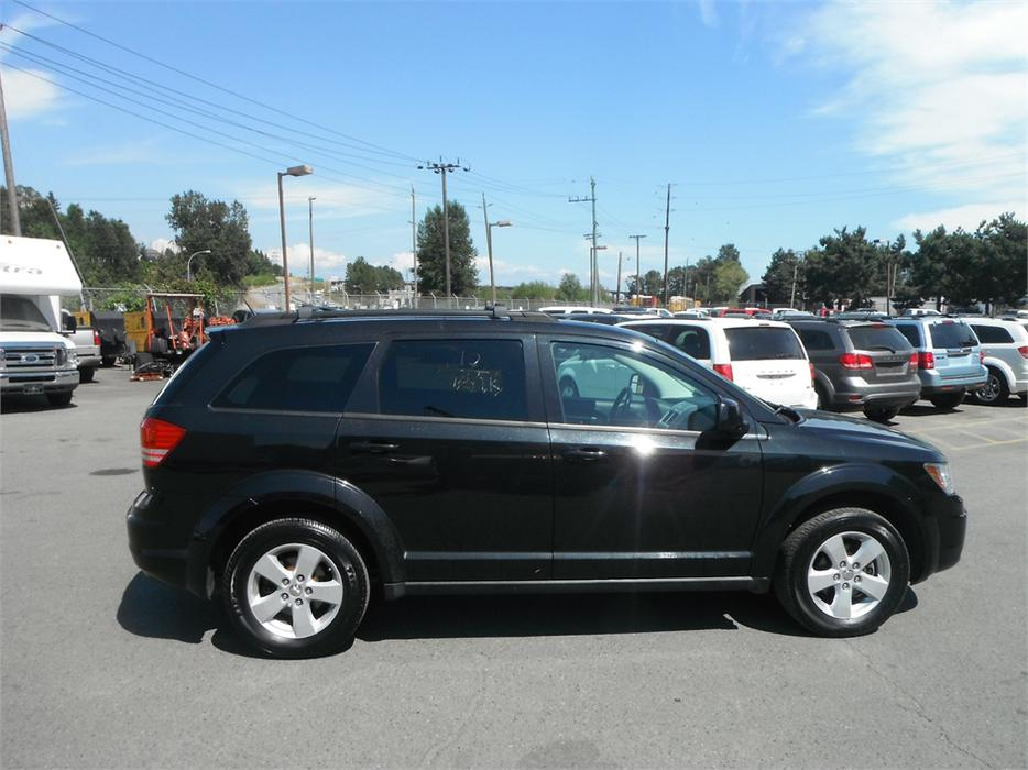 2010 dodge journey sxt with 3rd row seating outside okanagan penticton. Black Bedroom Furniture Sets. Home Design Ideas