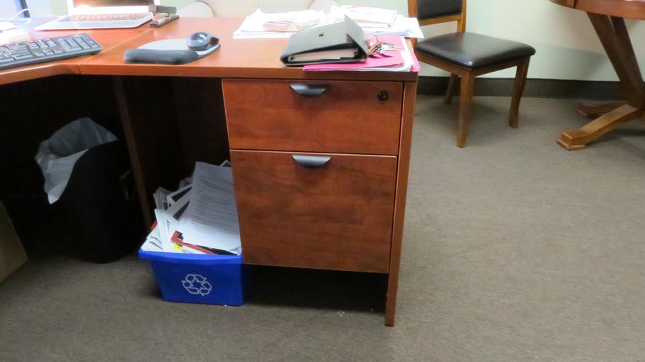 5 Office Desks Full Workstation Victoria City Victoria