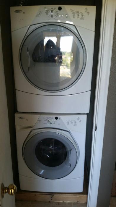 Whirlpool Duet Sport Stacking Washer Dryer Saanich Victoria